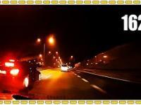 Kierowca BMW E60 bawi się w policję