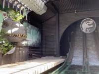 Świetna atrakcja parku rozrywki Jurassic Park w Hollywood