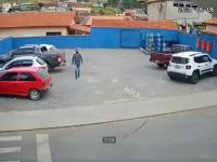 Mężczyzna zostaje potrącony na przejściu dla pieszych