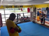 Uliczny rozbójnik wyzwał na pojedynek trenera boksu