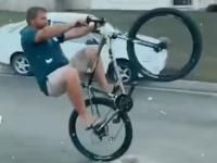 Ojciec roku i jego popis na rowerze