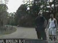 Uciekinier przekonuje policjanta ze jest tylko biegaczem