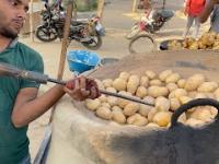 Ziemniaki pieczone w gorącym piasku