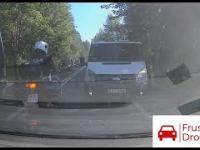 Policja kontra cwaniak Taxi Bus na drodze do Morskiego Oka. Zakopane 2021