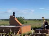Ciekawy pomysł na wykorzystanie schodów smoleńskich