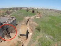 Ukraińskie drony brzęczą nisko nad okopami