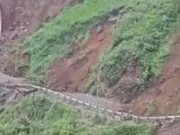 Osuwisko w Himachal Pradesh w Indiach