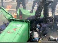 Francuska policja na proteście przeciwko restrykcjom