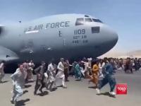 Dramatyczne sceny na lotnisku w Kabulu!