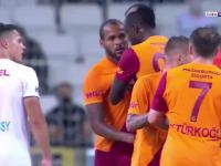 Turcja. Piłkarz Galatasaray pobił kolegę z drużyny i został wyrzucony z boiska