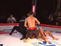 Dziwna sytuacja podczas walki MMA. Sędzia udusił znokautowanego zawodnika
