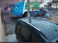 Pracownik śmieciarki ratuje dzieciaka przed potrąceniem