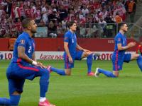 Polscy kibice wygwizdali Anglików którzy klękali przed meczem