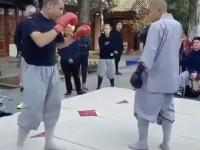 Zawodowy żołnierz VS mnich z Shaolin
