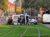 Ciężka służba policjantów w niemieckim Dreznie