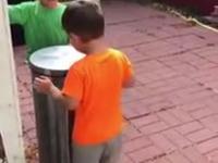 Dzieci odkryły super zabawę