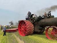 Największy traktor parowy w historii i orka 44-skibowym pługiem