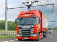 Autostrada, na której ciężarówki pracują jak pociągi elektryczne