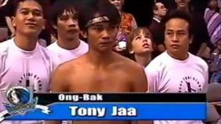 Ong-Bak-Tony-Jaa-demostracion-en-USA